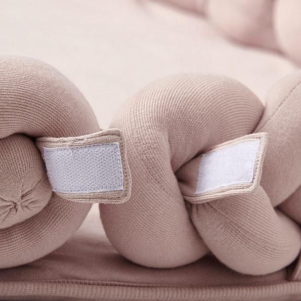 4 Baby Nest geflochten Rosa Klettverschluss offen
