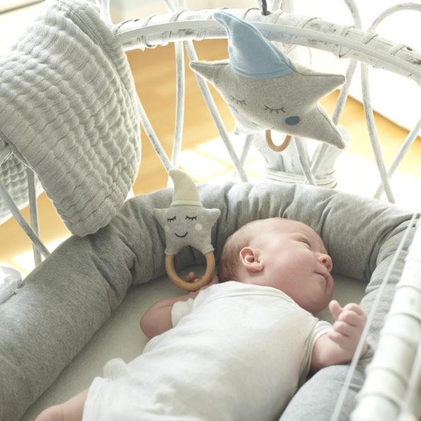 Baby Rassel Stern Natur