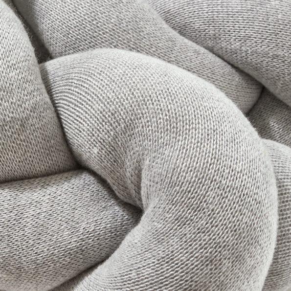2 Bettschlange geflochten Grau XL Strick Detail